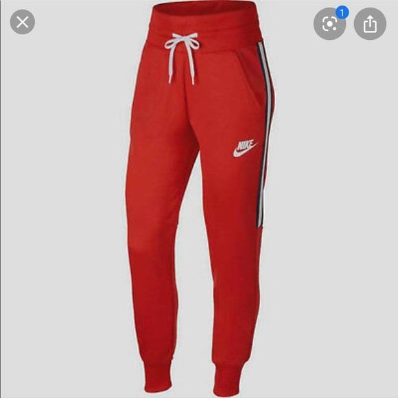 prosperidad choque Húmedo  Nike Pants & Jumpsuits | Womens Sportswear Tracksuit | Poshmark